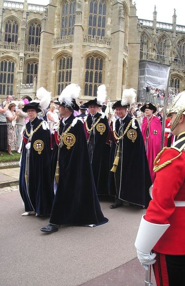 800px-royal_knights_of_the_garter