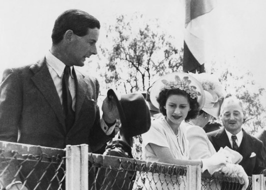 princess-margaret-peter-townsend-scandal-the-crown.jpg