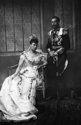 Princess_Mary_of_Teck_wedding_dress_1893_no2.jpg