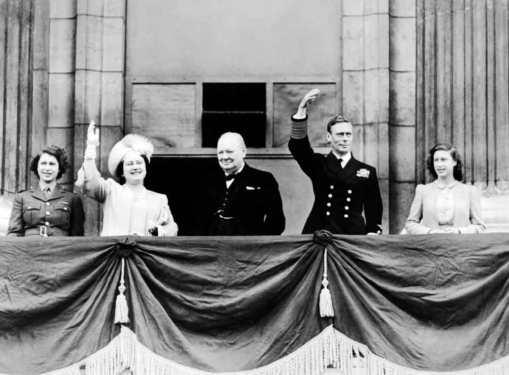 royal-family-ve-day