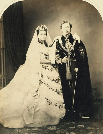 Wedding_of_Albert_Edward_Prince_of_Wales_and_Alexandra_of_Denmark_1863.jpg