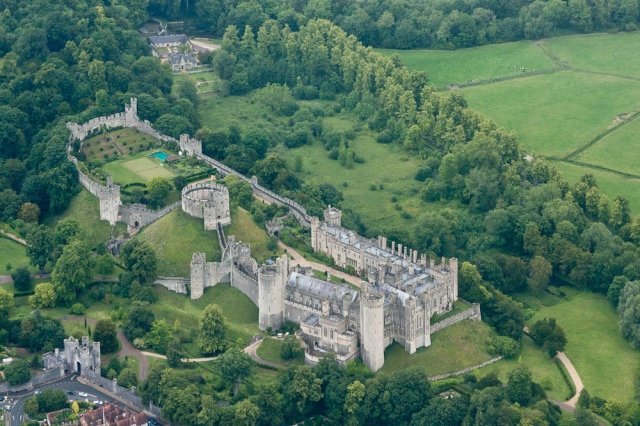 arundel_castle_-west_sussex_england-23june2011