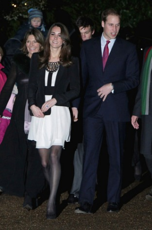 December-2010-prince-william-and-kate-middleton-24886213-331-500.jpg