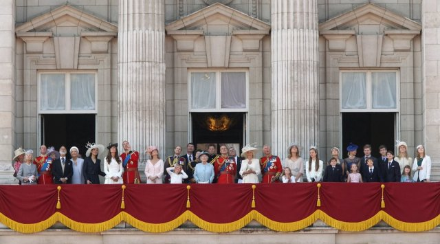 pictures-kate-middleton-prince-william-prince-harry-celebrating-queen-birthday-trooping-colour