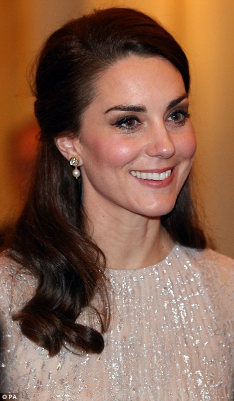 3DC5EBC500000578-4264730-The_Duchess_of_Cambridge-a-11_1488221529198.jpg