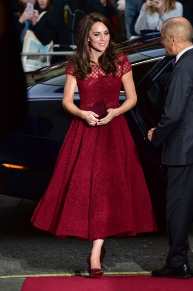 duchess-of-cambridge-kate-middleton-marchesa-notte-040417-02.jpg