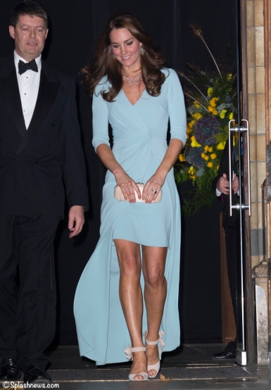Kate-Natural-History-Museum-Photo-Awards-October-21-2014-Blue-Jenny-packham-Leaving-Museum-Skirt-Lengths-Shown-Splash-News.jpg