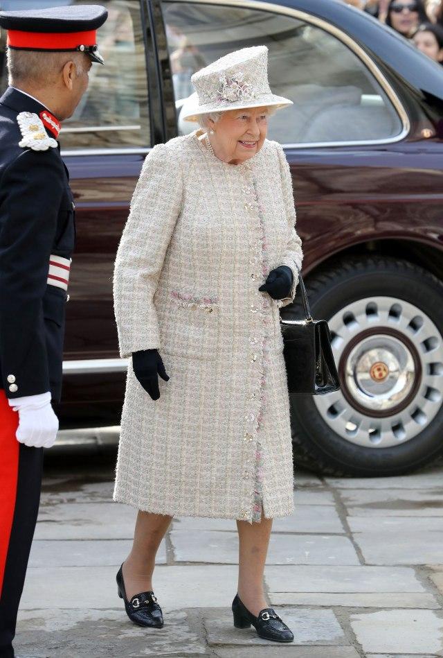 queen-elizabeth-11.jpg