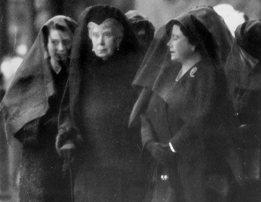 queens-funeral1