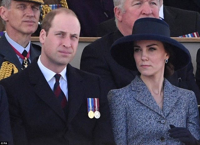 3E1A439000000578-4296450-Royals_Kate_William_and_Harry_joined_the_Queen_to_unveil_a_memor-m-118_1489058785275.jpg