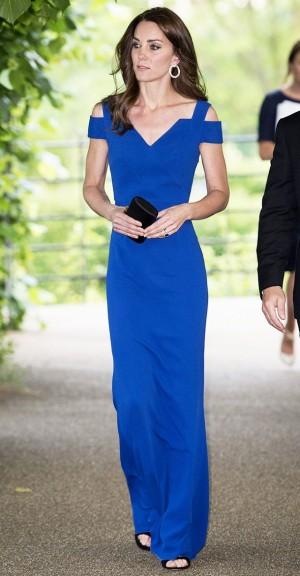 kate-middleton-wore-the-dress-style-everyone-is-wearing-this-summer-1802169-1465574637.640x0c.jpg