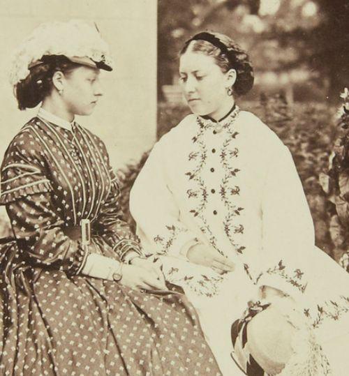 Louise and Helena.jpg