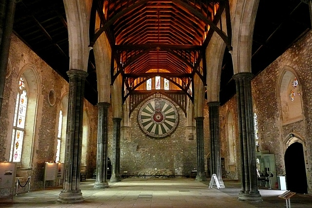 The_Great_Hall,_Winchester_Castle_-_geograph.org.uk_-_1540296.jpg
