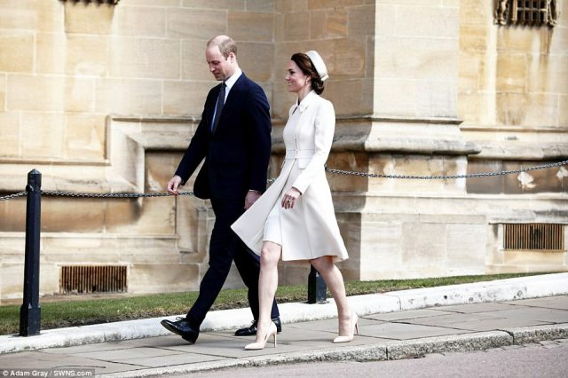 3F4B754800000578-4416018-William_and_Kate_looked_the_picture_of_happiness_as_they_walked_-a-2_1492345035977.jpg