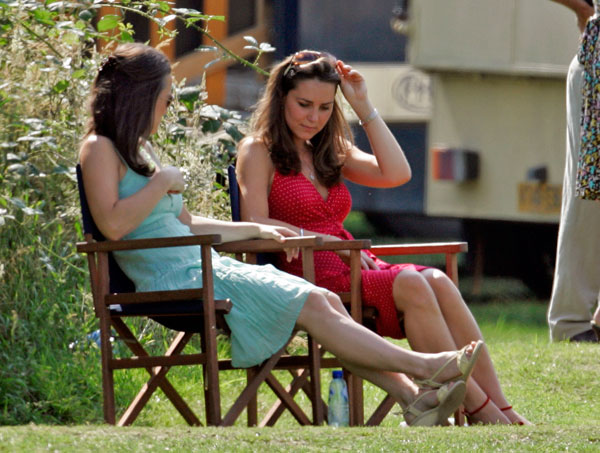 kate-middleton-pippa-middleton-feud-engagement-fight-updates07.jpg