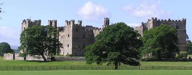 Raby_Castle,_County_Durham.jpg