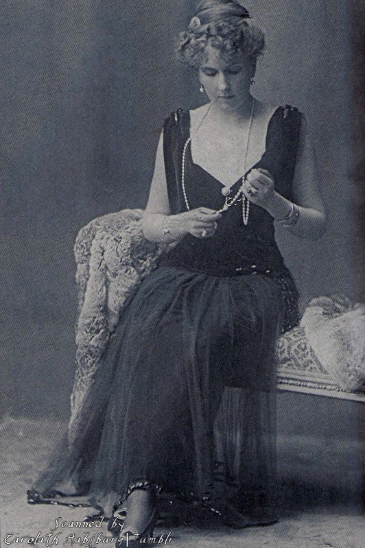 1910s-early-queen-victoria_med.jpeg