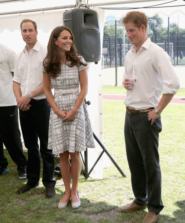 Kate-Middleton-Prince-Harry-Giggly-Moments-05052013-06.jpg