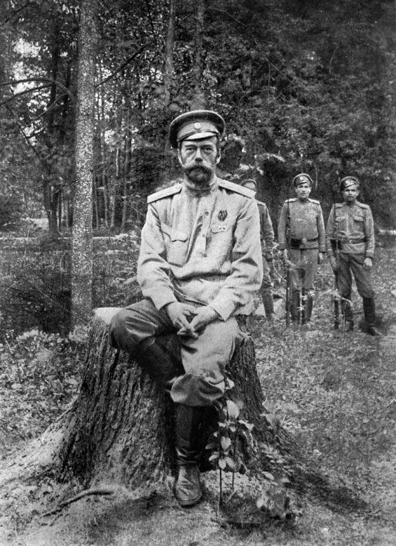Nikolaus_II._(Russland) (1).jpg