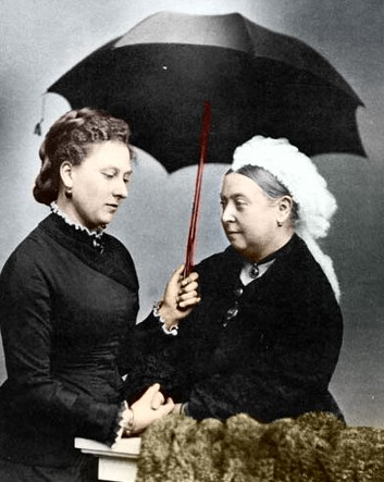 Princess_Beatrice_mourning_with_Queen_Victoria.jpg