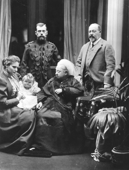 Royal_family_group_1896.jpg