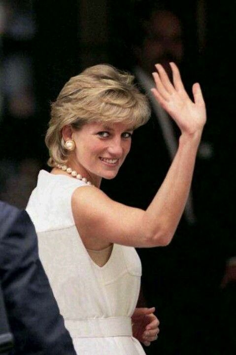297fc50bbade335eb307da2c8ce3353e--death-of-princess-diana-princes-diana.jpg