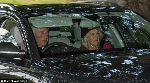 4367E0A600000578-4806864-Prince_Charles_got_behind_the_wheel_while_Camilla_took_the_passe-a-55_1503233544811.jpg