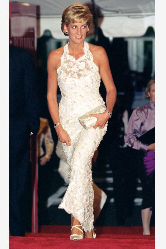 fa42fb4e0eb338443d43e7cf15f063b4--princess-diana-fashion-diana-spencer.jpg