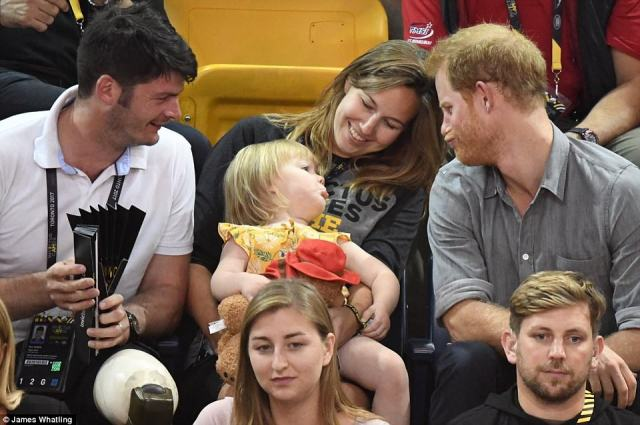 44CD266700000578-4932832-Harry_who_is_a_doting_uncle_to_Prince_George_and_Princess_Charlo-a-75_1506679564795.jpg