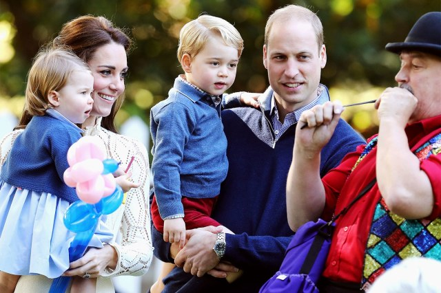 prince-william-kate-middleton-christmas-card-george-charlotte.jpg