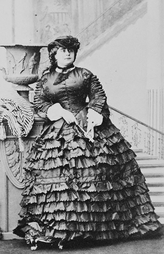 Princess_Mary_Adelaide,_Duchess_of_Teck.jpg