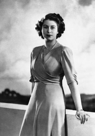 queen-elizabeth-ii-1946