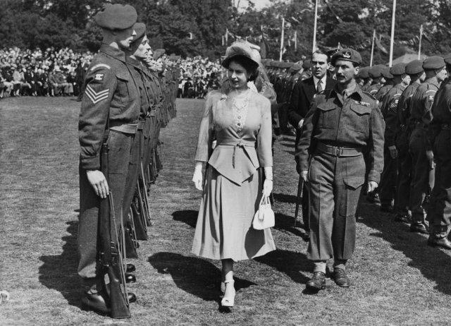 Queen-Elizabeth-II-1948.jpg
