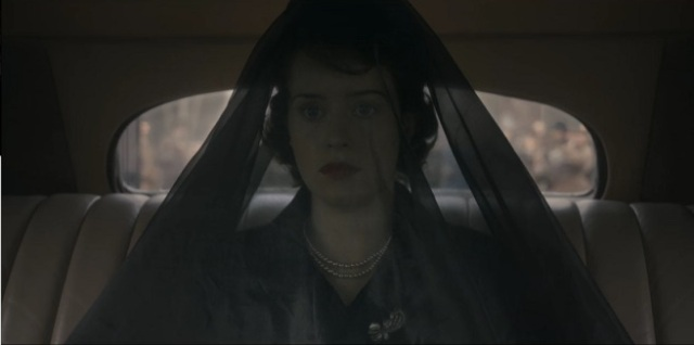 the-crown-ep-3-elizabeth-funeral-outfit.jpg