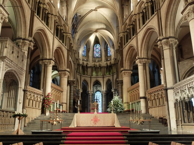 canterbury-cathedral-altar.jpg