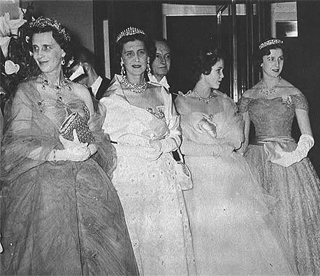 681ab296a273280b4b9209f88c79ba55--princess-alexandra-the-greeks.jpg