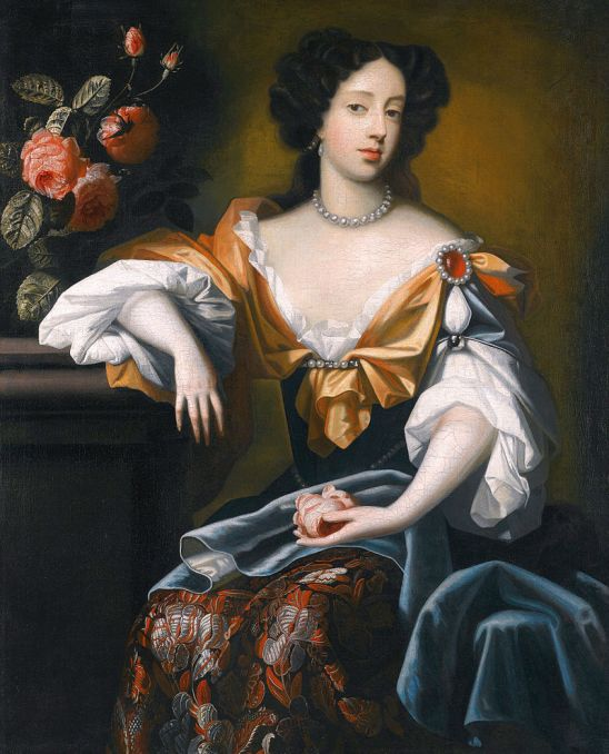 800px-Mary_of_Modena_Pietersz