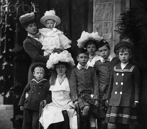 Queen Alexandra and her Grandchildren
