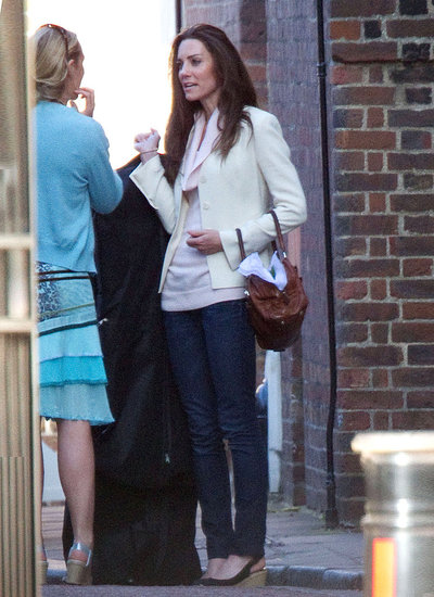 kate-middleton-before-wedding-preparations-pink-sweater-white-blazer