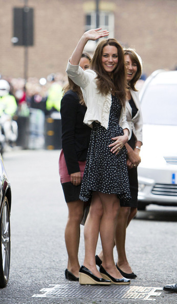 Kate+Middleton+Pippa+Middleton+Kate+Middleton+MoNzMDKiNiVl