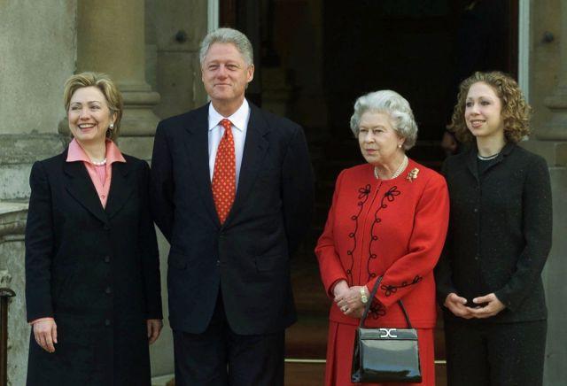 AP_Queen_Elizabeth_Bill_Clinton_hb_160408_22x15_1600