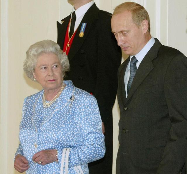 queen-elizabeth-ii-president-vladimi