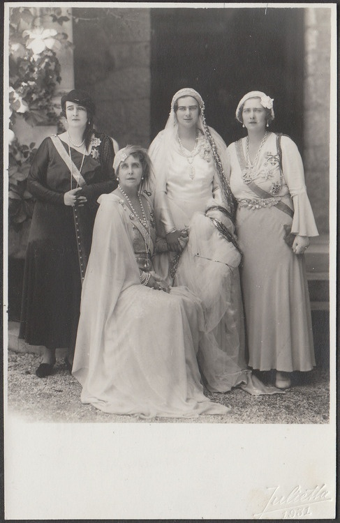 HRH_Elizabeth_of_Romania,_HM_Queen_Marie_of_Romania,_HRH_Princess_Ileana_of_Romania,_HM_Queen_Maria_of_Yugoslavia