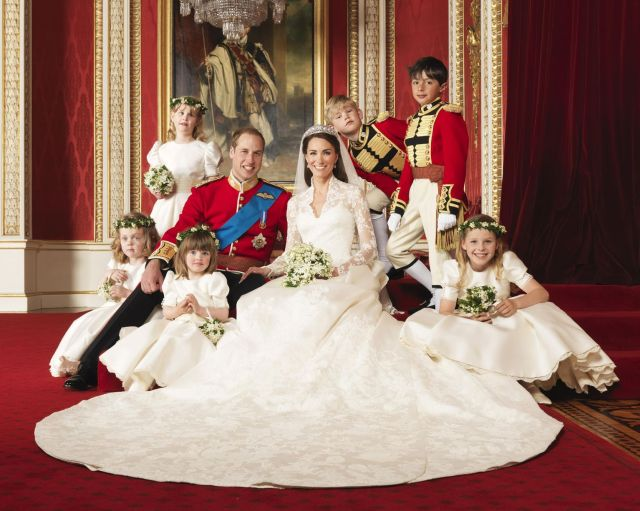 Official-Wedding-Photographs-Prince-William-and-Kate-MIddleton-in-the-throne-room-at-Buckingham-Pa