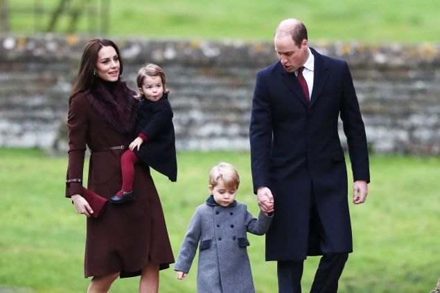 TOPSHOT-BRITAIN-ROYALS-CHRISTMAS